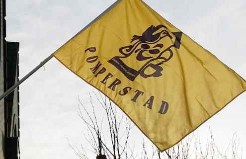 Pomperstad vlag